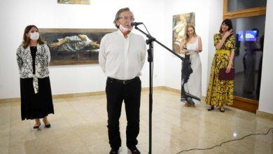 """Photo of Izložba """"Zagrljaji"""" Safeta Zeca svečano otvorena u Umjetničkoj galeriji Brčko"""