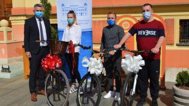 Photo of Gradonačelnik Milić mladim Brčacima uručio bicikla povodom Evropske sedmice mobilnosti