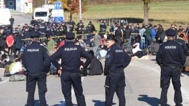 Photo of Veliki sukob migranata na sjeveru BiH, grupa čamcem pobjegla u Hrvatsku
