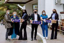 Photo of U ovoj borbi niste sami! Mozzart donirao voće ljekarima u Brčkom
